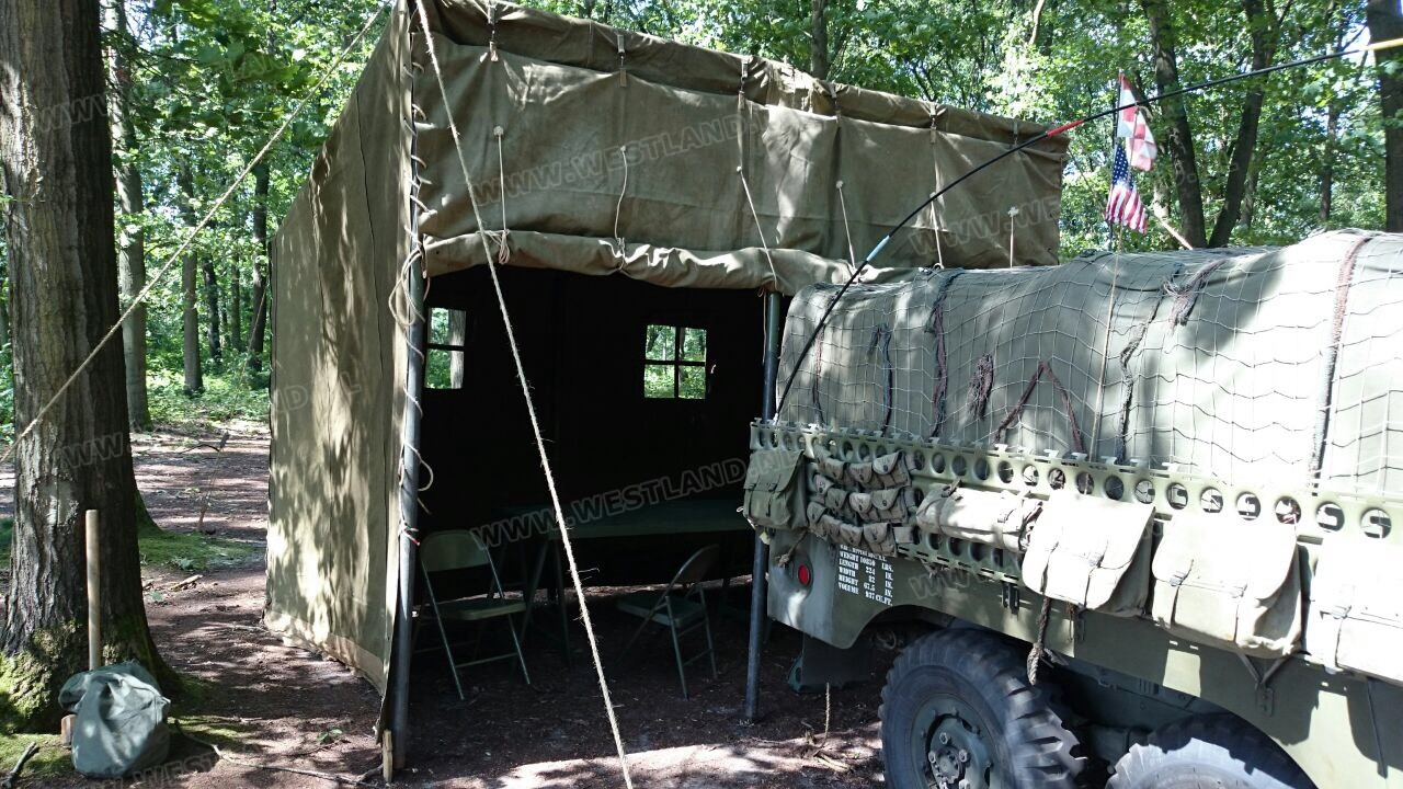 Vehicle command post tent